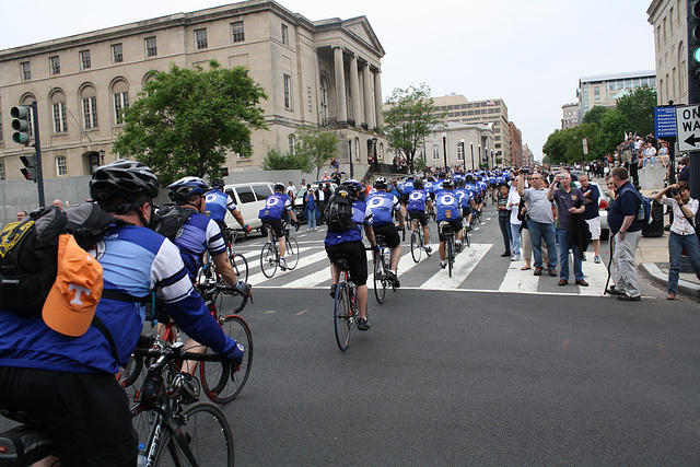67.BicyclistsArrival.PUT.NLEOM.WDC.12May2010