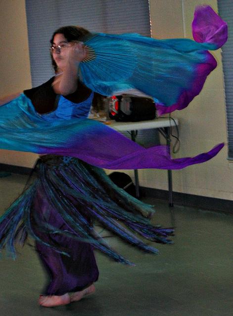 Aylah .. Fan Veil Dance