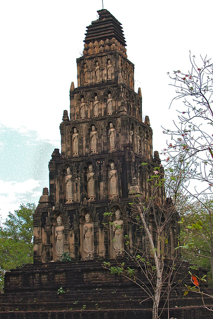Chedi of Cham Thewi, Lamphun in Mueang Boran