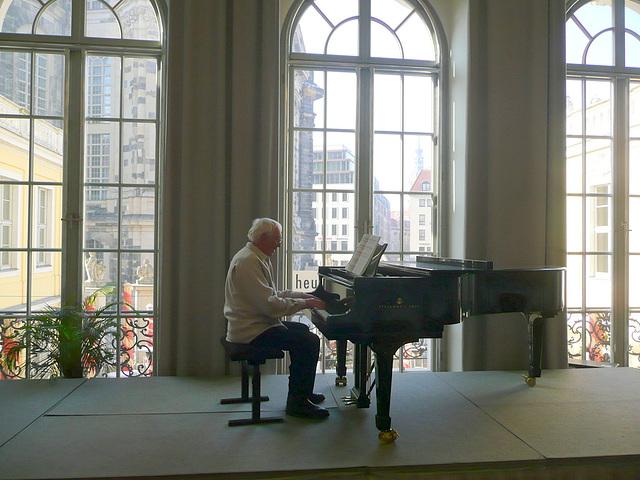 Musikalische Feier im Pianohaus Kirsten