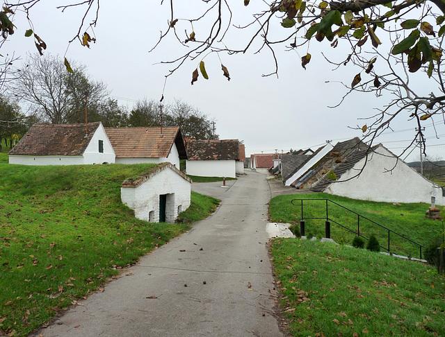 """Kellergasse """"am Galgenberg"""" in Wildendürnbach, NÖ"""