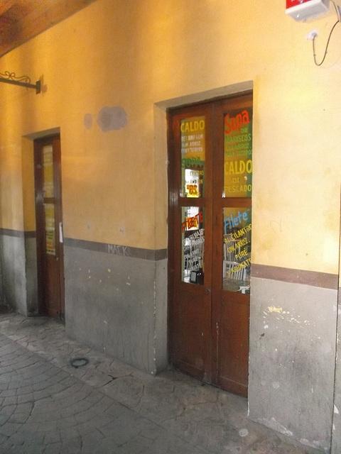 Gourmet doors / Portes gastronomiques.