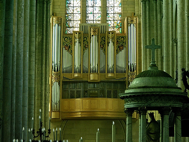 PICT16150ac Noyon Cathedral Notre Dame Recent Grand Organ 2005