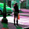 Lilette la pipelette / A street candid gift -  un cadeau de photo de la rue - - Queue de cheval et bottes à talons hauts / Ponytail with high-heeled boots / Version postérisée