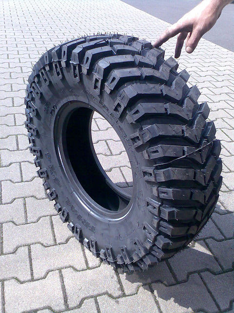 pneŭo = Reifen