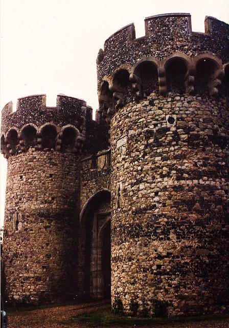 cooling castle 1381-2 gatehouse