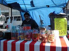 Faiseur de jus sympatique / Kind juice maker.