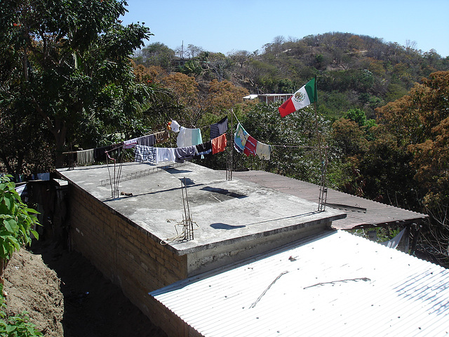 Séchage sur toit / Drying clothes on roof