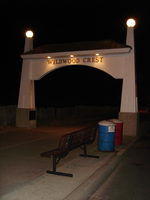 Wildwood Crest entrance / Porte d'entrée sur Wildwood Crest - New-Jersey. USA - 18 juillet 2010 - Avec / With flash