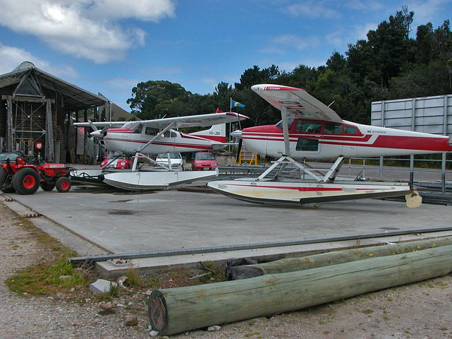 Planes for sightseeing flights