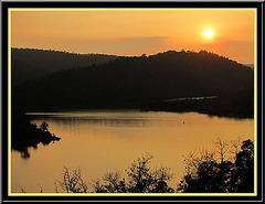 Coucher sur le Lac de St Cassien
