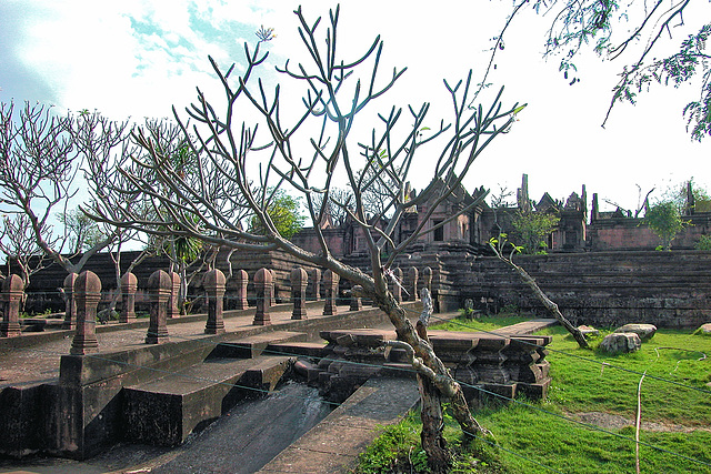 Balustrade to the second level of Prasat Phra Wihan