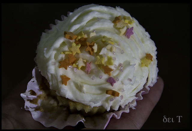 Fairy cakes with little stars and crystal *stardust*