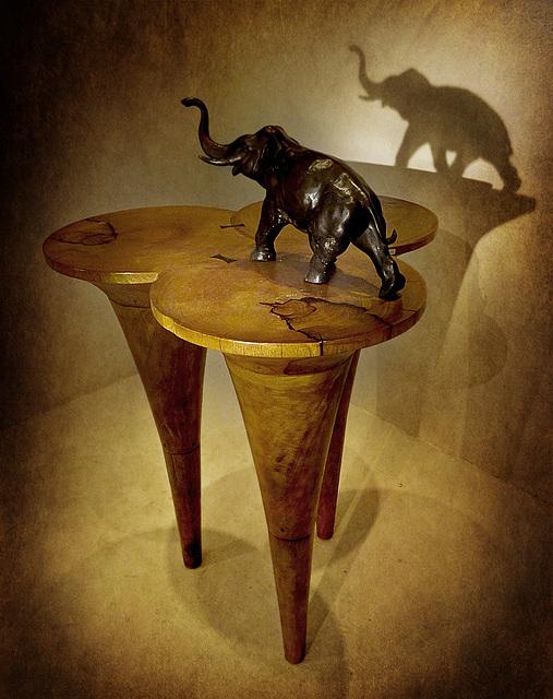 CATALOGUE / TABLE