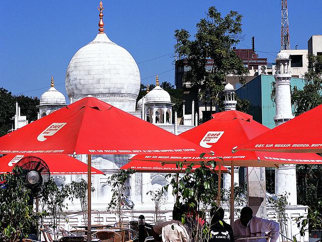 Taj and tables