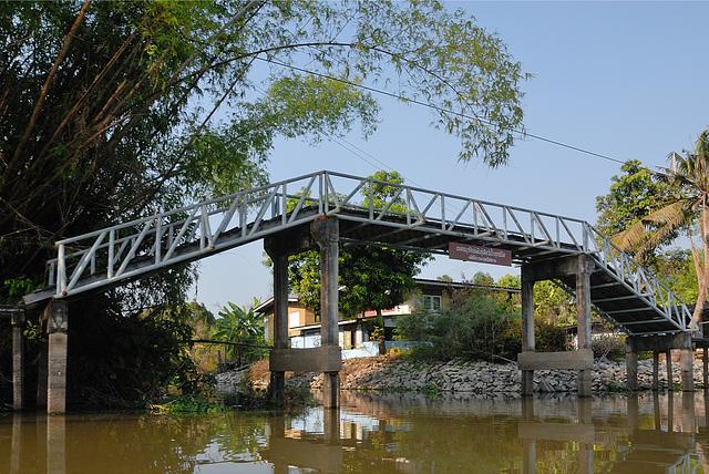 Footbridge along the Khlong