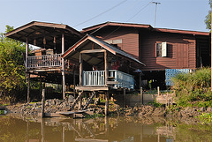 Simple estate riparian on the Khlong