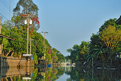 Stop at the water gate in Nong Chok village