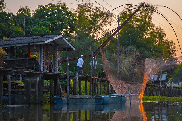 Last fishing out of the Khlong that day
