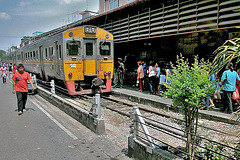 Bangkok Noi Wongwienyai Station