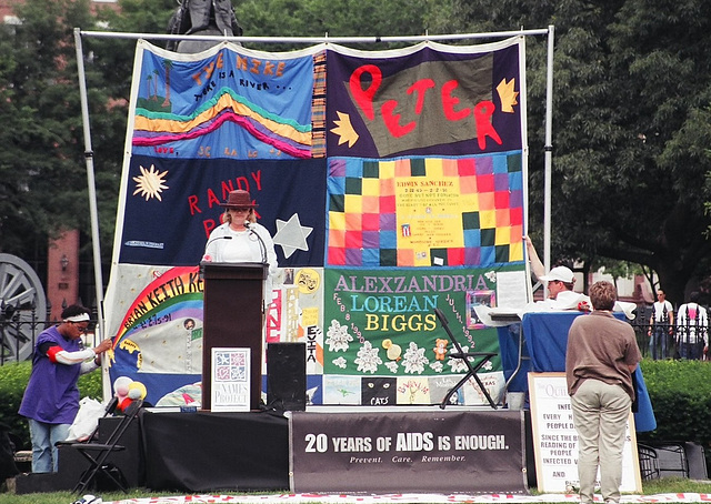 03.05.AIDS.20Years.Vigil.WDC.3June2001