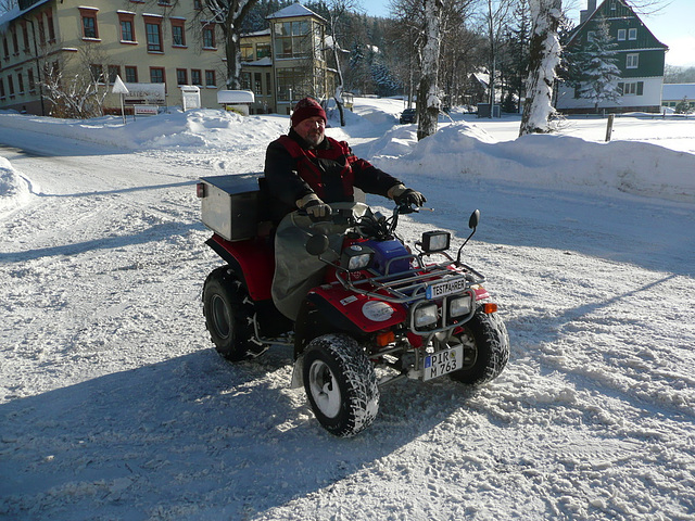 Quadfahrer im Winter bei -10°C