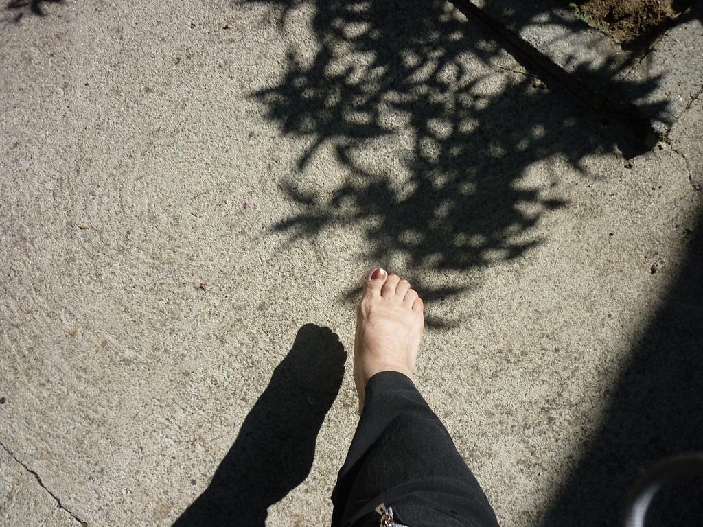 Jeu d'ombres podoérotiques / Podoerotic shades - Mon amie Christiane / My friend Christiane.