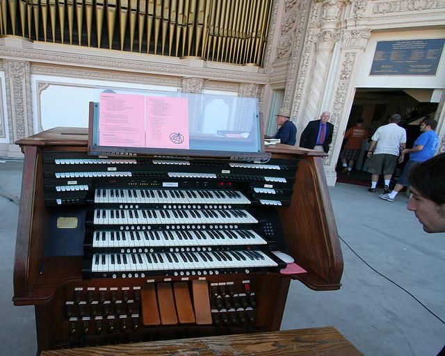 Spreckels Organ (8165)