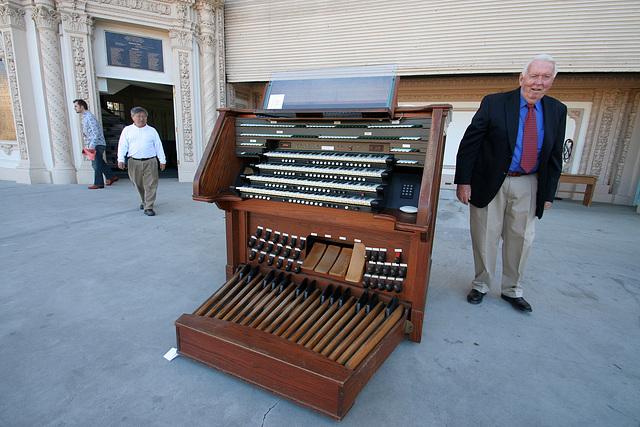 Spreckels Organ (8190)