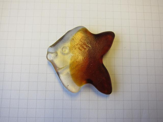 Colafisch auf Karopapier