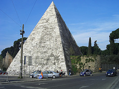 Rom, Cestius Pyramide