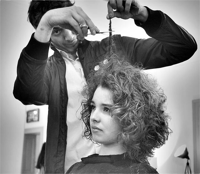 l'art de couper....les cheveux en quatre