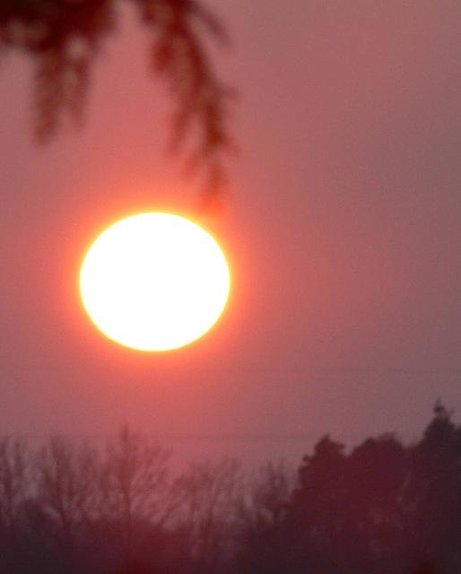 Sonne mit Heiligenschein
