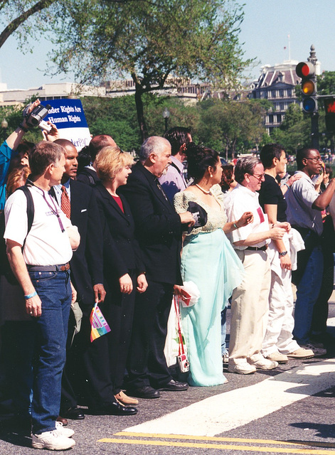 06.05a.MMOW.March.30April2000