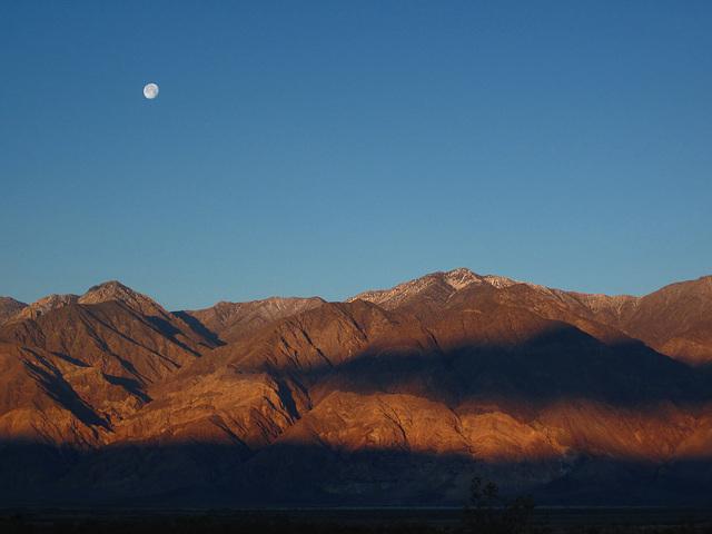 Sunrise in Saline Valley (1423)
