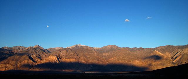 Sunrise in Saline Valley (1425)