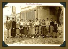 Mes oncles et tantes, ma maman la 5è à gauche
