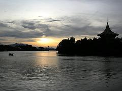 Abend am Sarawak