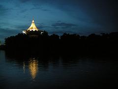 Nacht auf Borneo