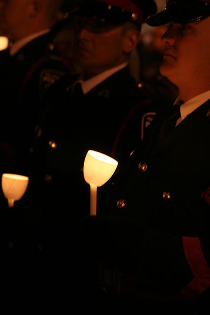 11.CandleVigil.Light.NLEOM.EStreet.WDC.13May2009