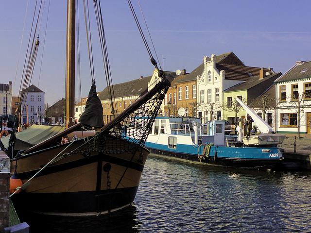 der Hafen von Weener im Rheiderland