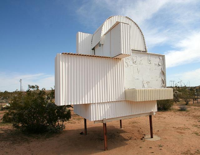 Noah Purifoy Outdoor Desert Art Museum - Ode To Frank Gehry (9842)
