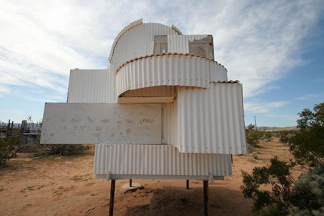 Noah Purifoy Outdoor Desert Art Museum - Ode To Frank Gehry (9843)