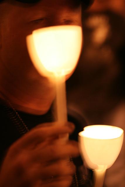 07.CandleVigil.Raise.NLEOM.EStreet.WDC.13May2009