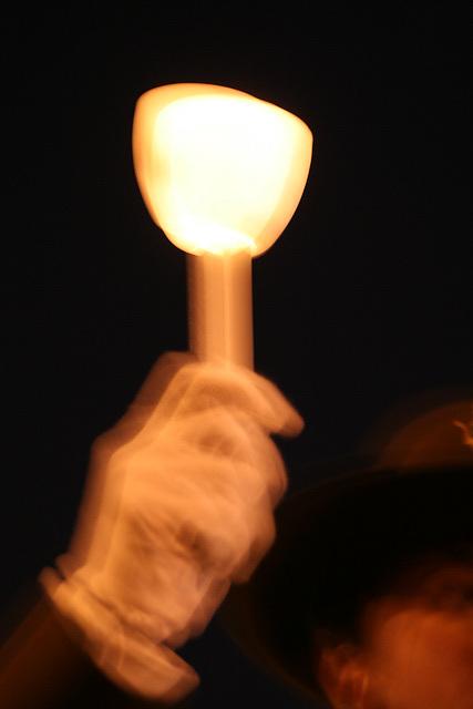 13.CandleVigil.Raise.NLEOM.EStreet.WDC.13May2009