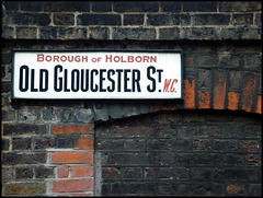 Old Gloucester Street sign