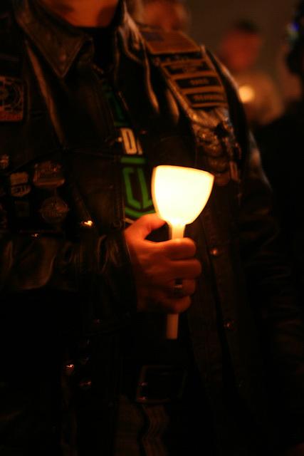 34.CandleVigil.Raise.NLEOM.EStreet.WDC.13May2009