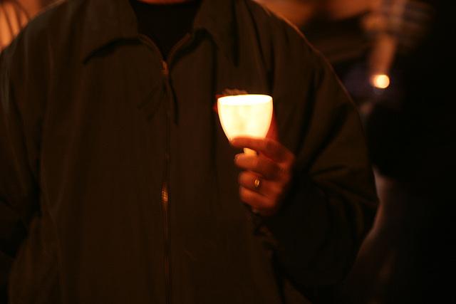 44.CandleVigil.Raise.NLEOM.EStreet.WDC.13May2009