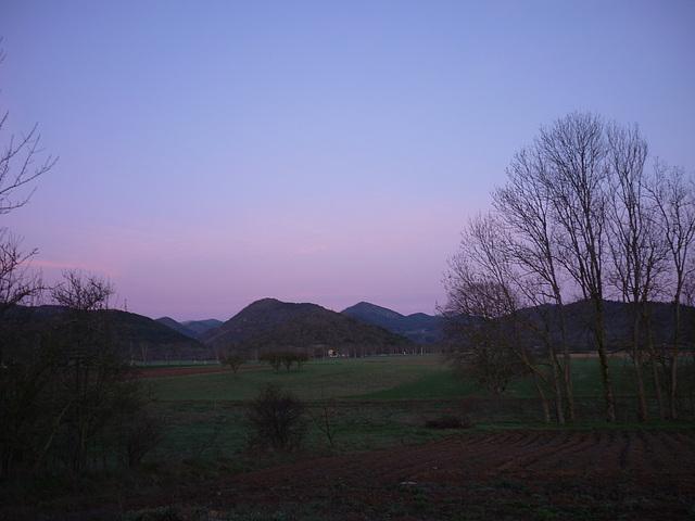 Petit matin sur le plateau de Sault en Pays Cathare