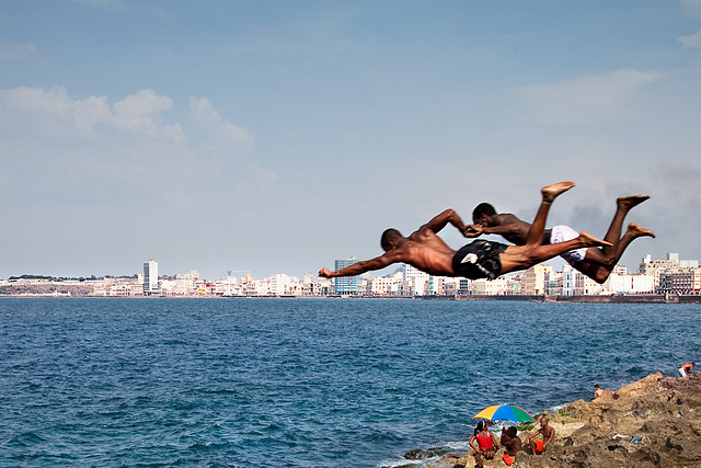 Malecon flying